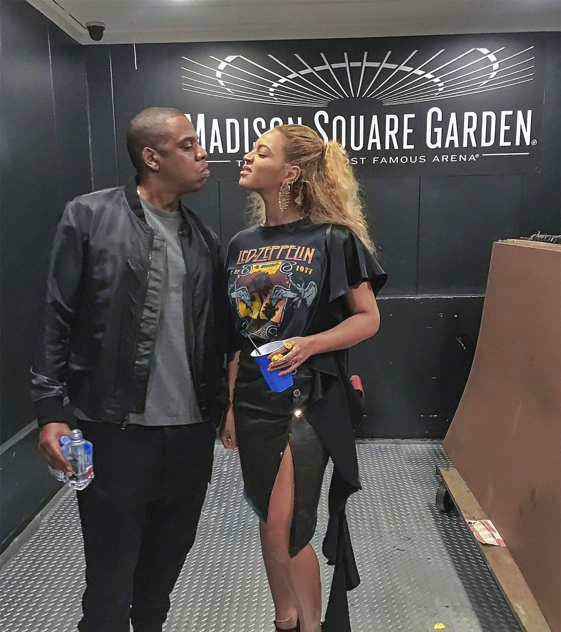 Beyonce Jay Z At Kanye West S Saint Pablo Tour In Madison Square Garden September 7th 2016 In N Beyonce And Jay Beyonce Husband Beyonce And Jay Z