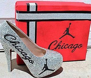 Whaaaaaaat. #1 on my #ChristmasWishList rn 💯✔️💯 #shopping #kicksoncourt #shoestagram #heels👠 #sportsfashion #ImaSize9