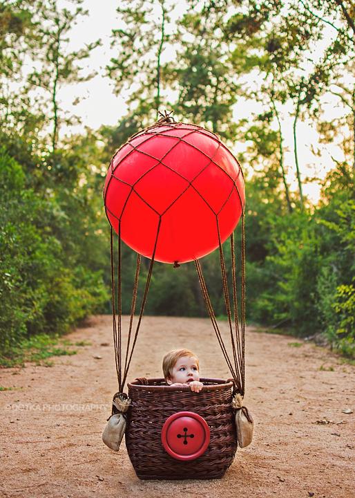 Hot air balloon LOVE the giant red button!!! Hot air
