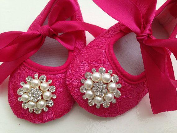 He encontrado este interesante anuncio de Etsy en https://www.etsy.com/es/listing/188649156/caliente-zapatos-de-encaje-de-color-rosa