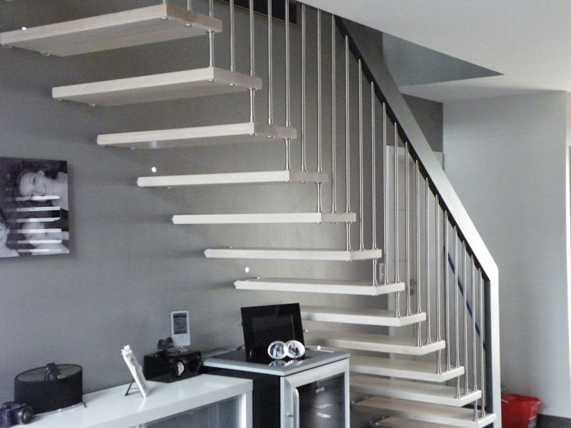 Escalier droit design bicolore en bois inox | Stairs-Escaliers ...