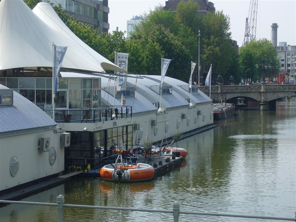 H2otel In Rotterdam Met Picknickbootjes Places I Have