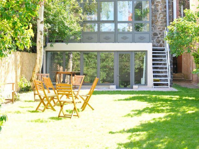 extension une v randa sur deux niveaux pour agrandir une. Black Bedroom Furniture Sets. Home Design Ideas