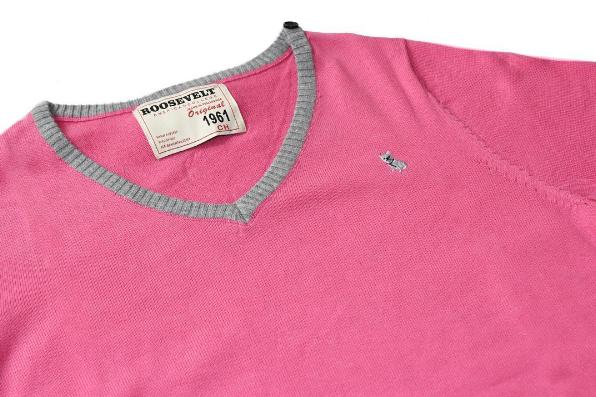 Colores intensos para este #Summer2016  Conoce nuestro Clement Suéter en color #pink. Luce súper fashion y actual #colorfull #style #RooseveltAC #fashion #guys #ModaParaChicos