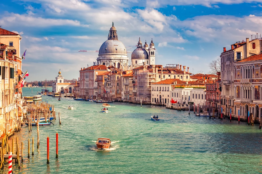 Veneza anuncia taxa de entrada para turistas a partir de 2022
