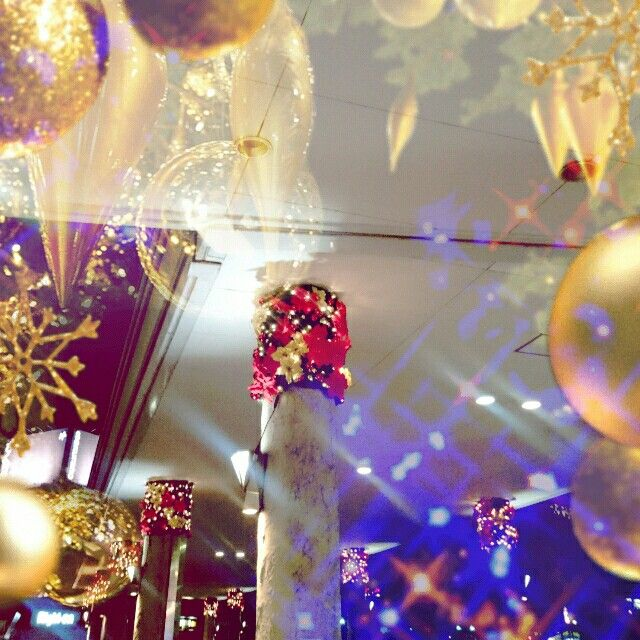 Christmas decorations at a department store Scenery and other