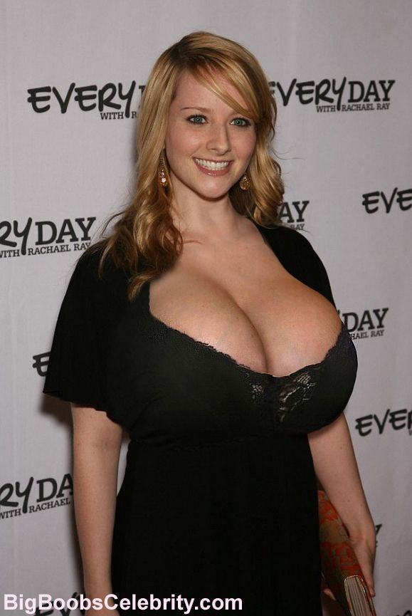 melissa rauch boobs