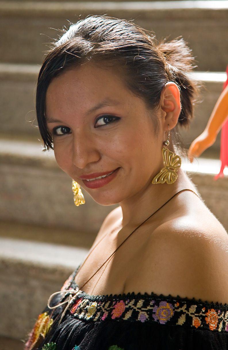 stereotype: hispanic women all wear big, gold jewelry | hispanic