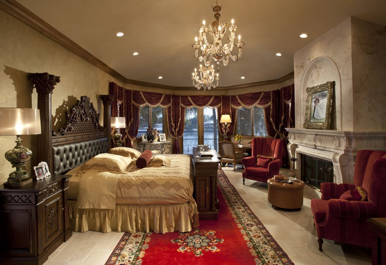 Inside Beautiful Mansion House Bedroom