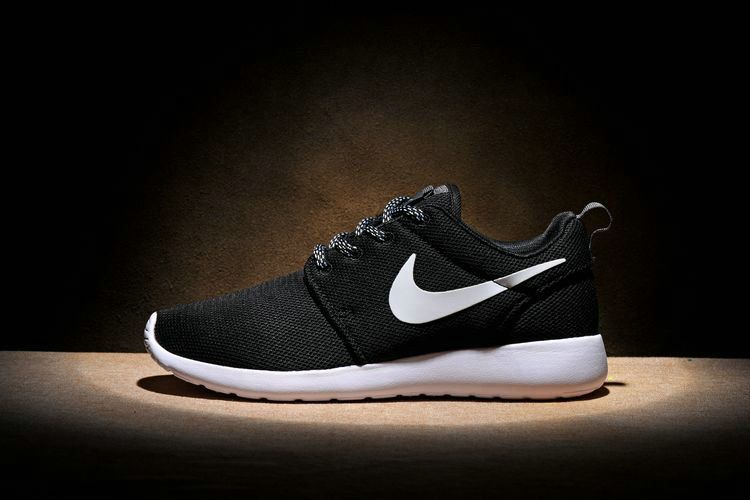 newest d4439 ecf33 UK Trainers 2018 Nike Roshe One Black Noir White blanc Rosherun Running  Shoes Sneakers 844994 002 Youth Big Boys Shoes