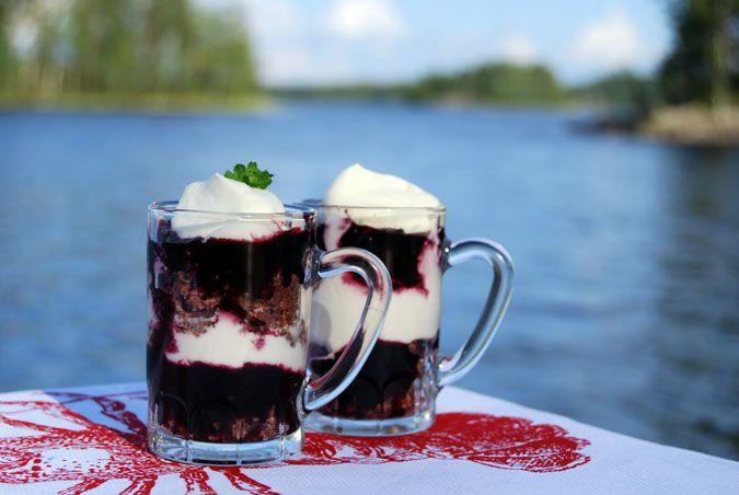 Mustikka trifle | PippaloPrinsessa