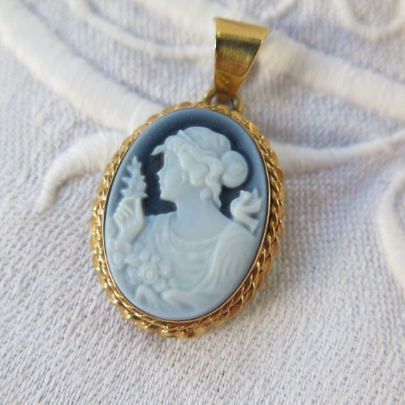 Antique blue agate cameo pendant in with 14k gold setting epsteam antique blue agate cameo pendant in with 14k gold setting mozeypictures Image collections