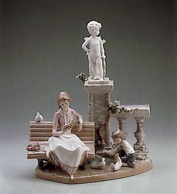 LLADRO - STUDYING IN THE PARK