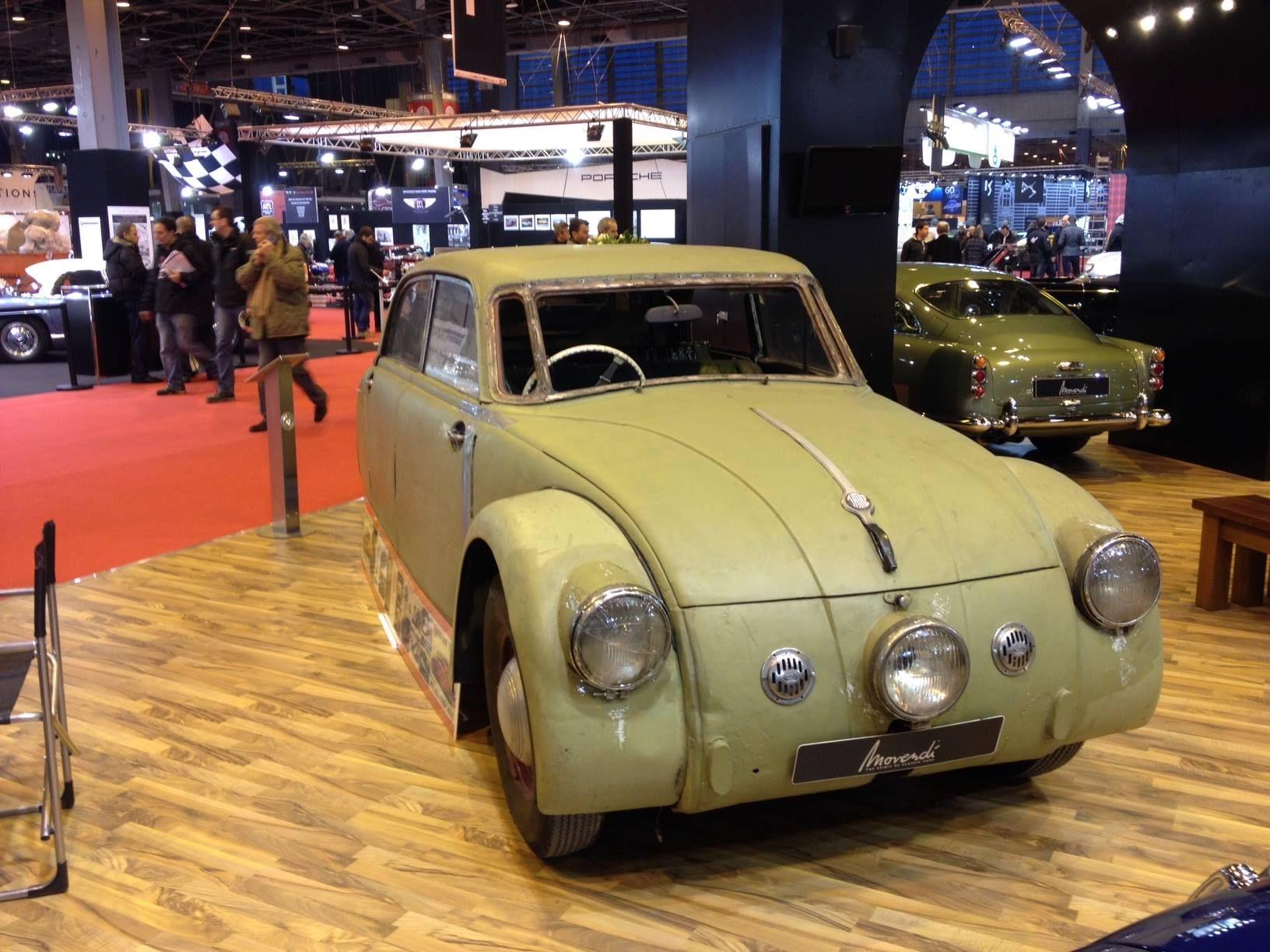 La tatra 77 A était la première voiture à design aérodynamique jamais produite en série.