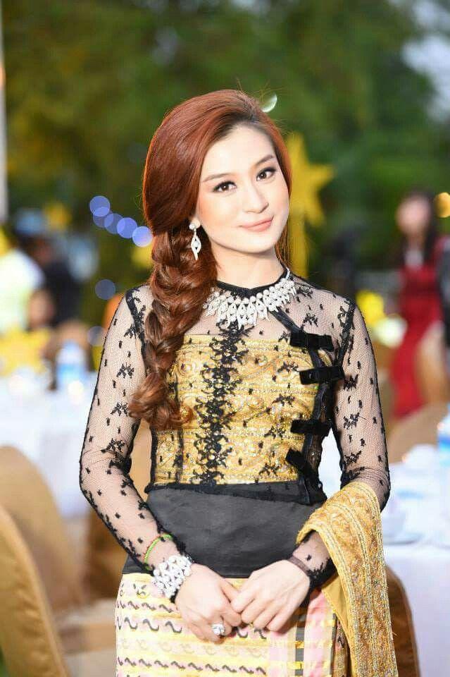 We love wutt hmone shwe yee celebrities wutt hmone for Myanmar wedding dress price