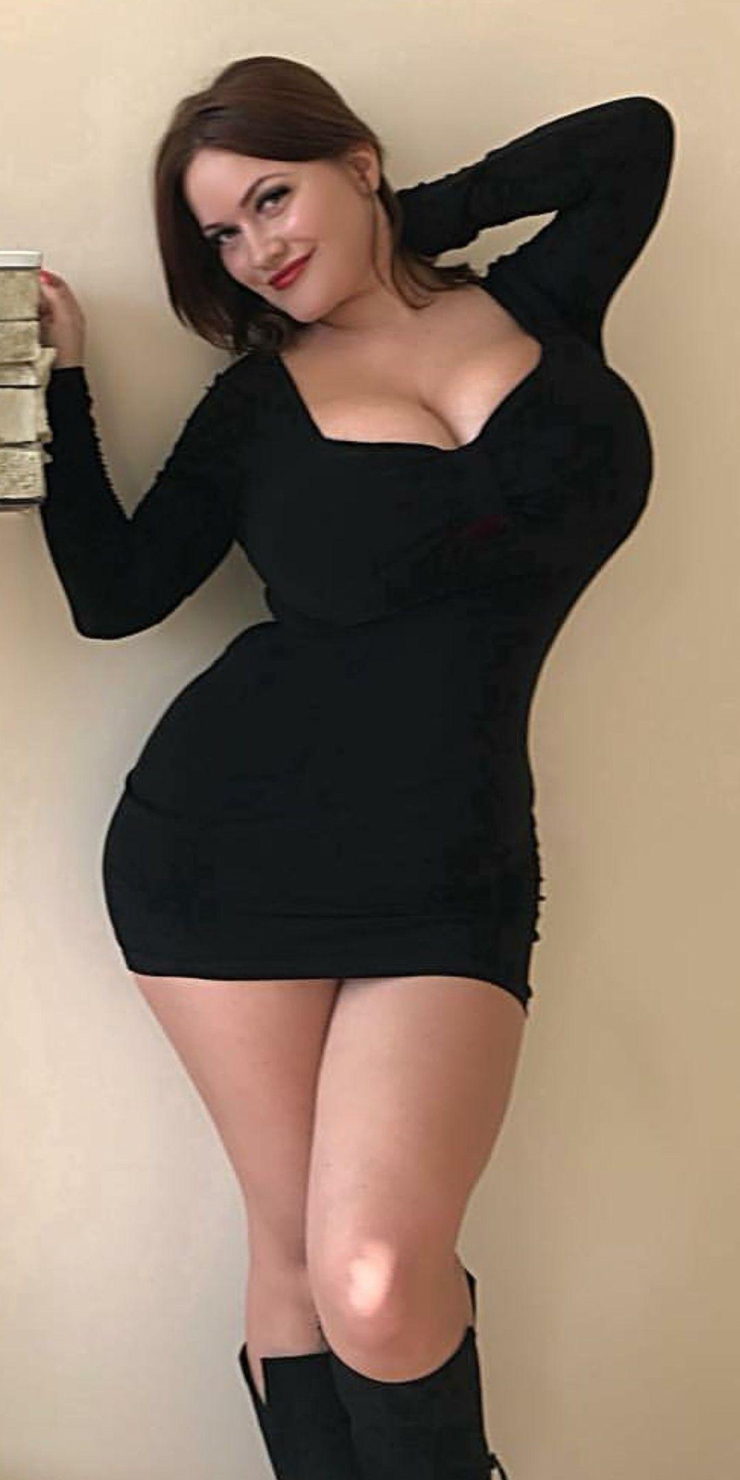 Sexy Thick White Girl Twerking