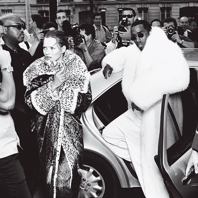 What do you wear to work when you're @iamdiddy's stylist? Click the link in our bio for an interview with @dereksroche. Photographed by #AnnieLeibovitz, Vogue, October 1999.