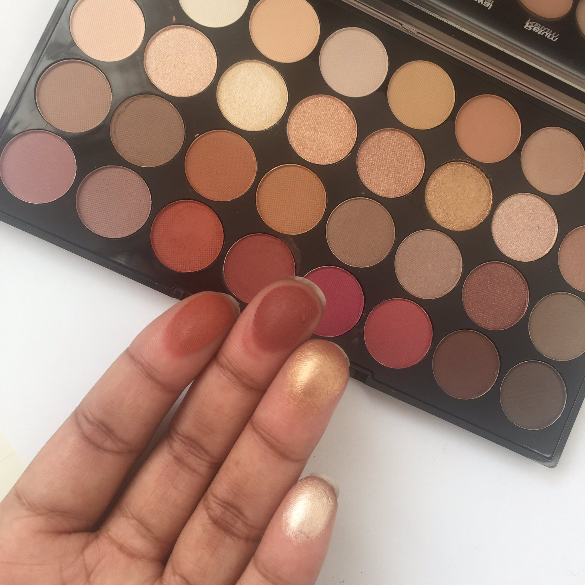 Makeup Revolution FLAWLESS 3 Palette (image from