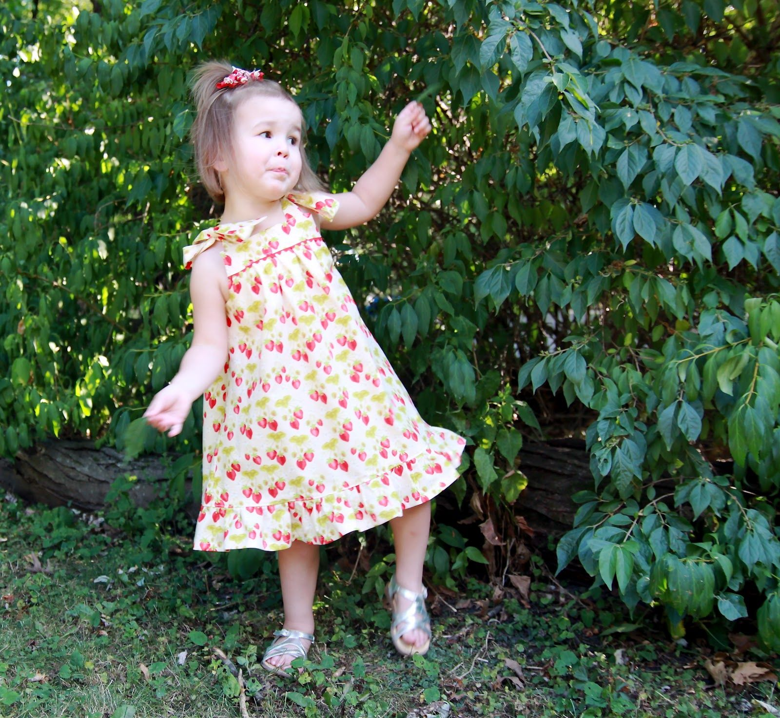 The Summer Picnic Dress Aka Little Linen Dress Has Taken Me Quite A While To Put Together For You Picnic Dress Baby Girl Outfits Summer Summer Dress Patterns [ 1473 x 1600 Pixel ]