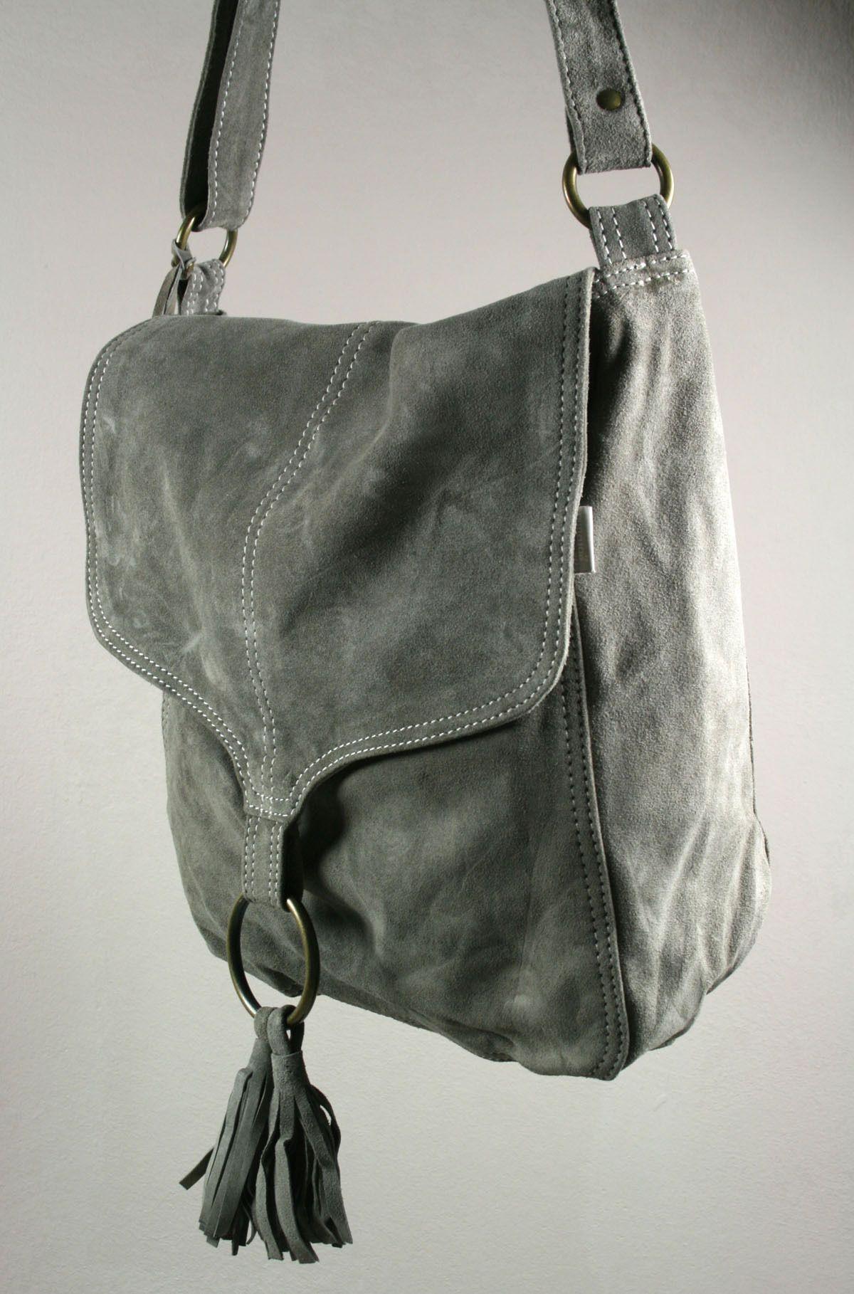 Schultertasche aus Wildleder - indoor-turtle   táskák - Bags ... c8f2931e33