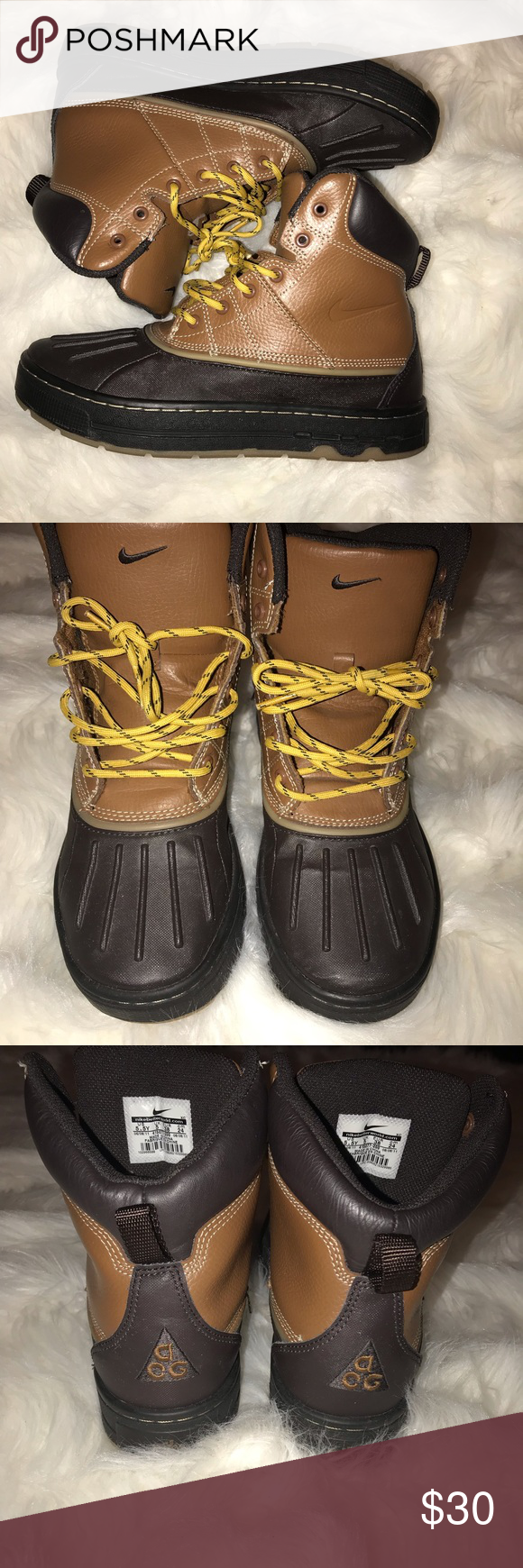 separation shoes 91f9c 4be87 Nike acg 🌟Nike acg boots. Boys size 5.5. Boots are in good condition.  Minor signs of wear. See photos for details. These boots are good for rain  or snow ...