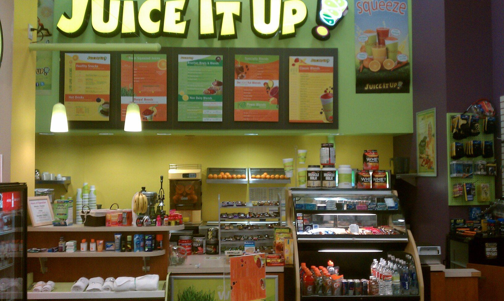 Juice It Up, Raw Juice Bar inside LA Fitness Grand Prairie serving ...