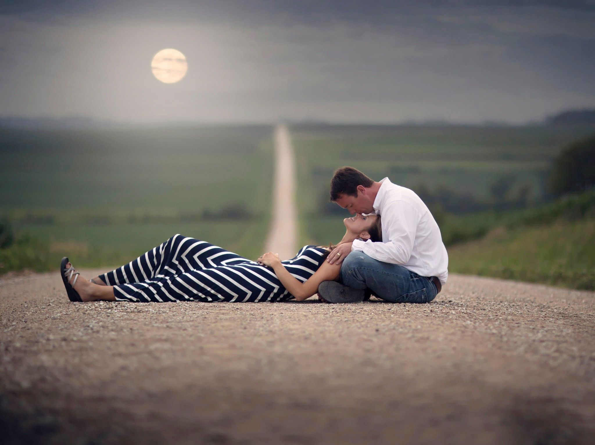 Straight Road Love Couple Wallpaper Couples Romantic Love