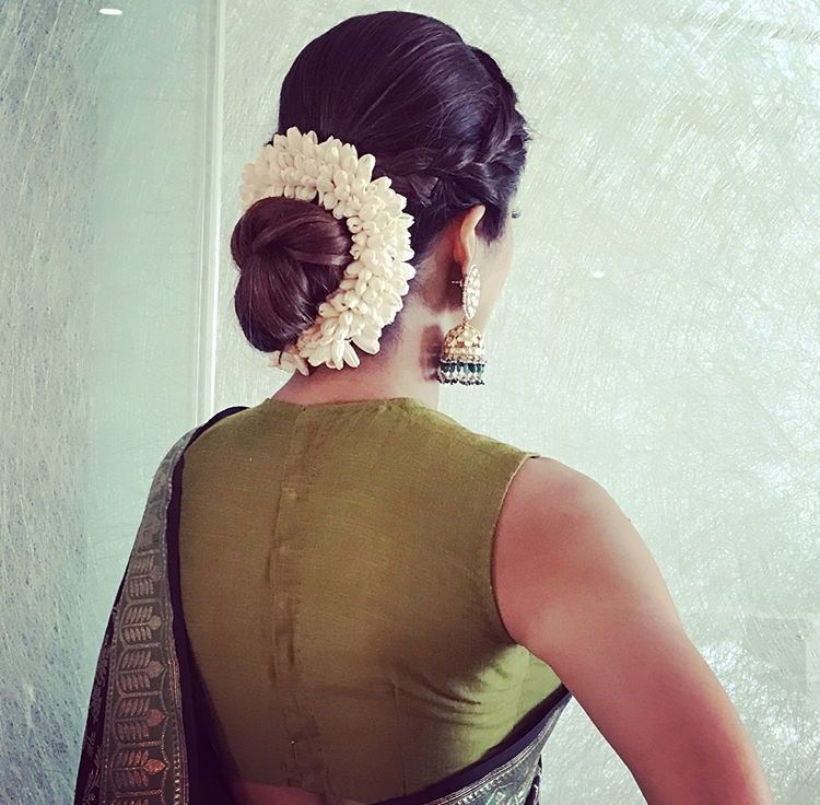 Hairstyle For Indian Wedding Guest: Pin By Dil_Di_Gal_Couture (Instagram) On Makeup And Hair