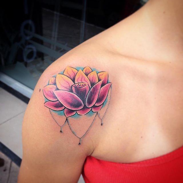 Flor De Lotus Para Cobrir Uma Tatuagem Antiga Tattoo Tattoos