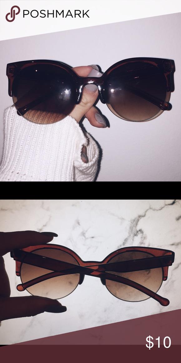 Super cute sunglasses 😎 Super cute sunglasses in almost perfect condition! Accessories Sunglasses