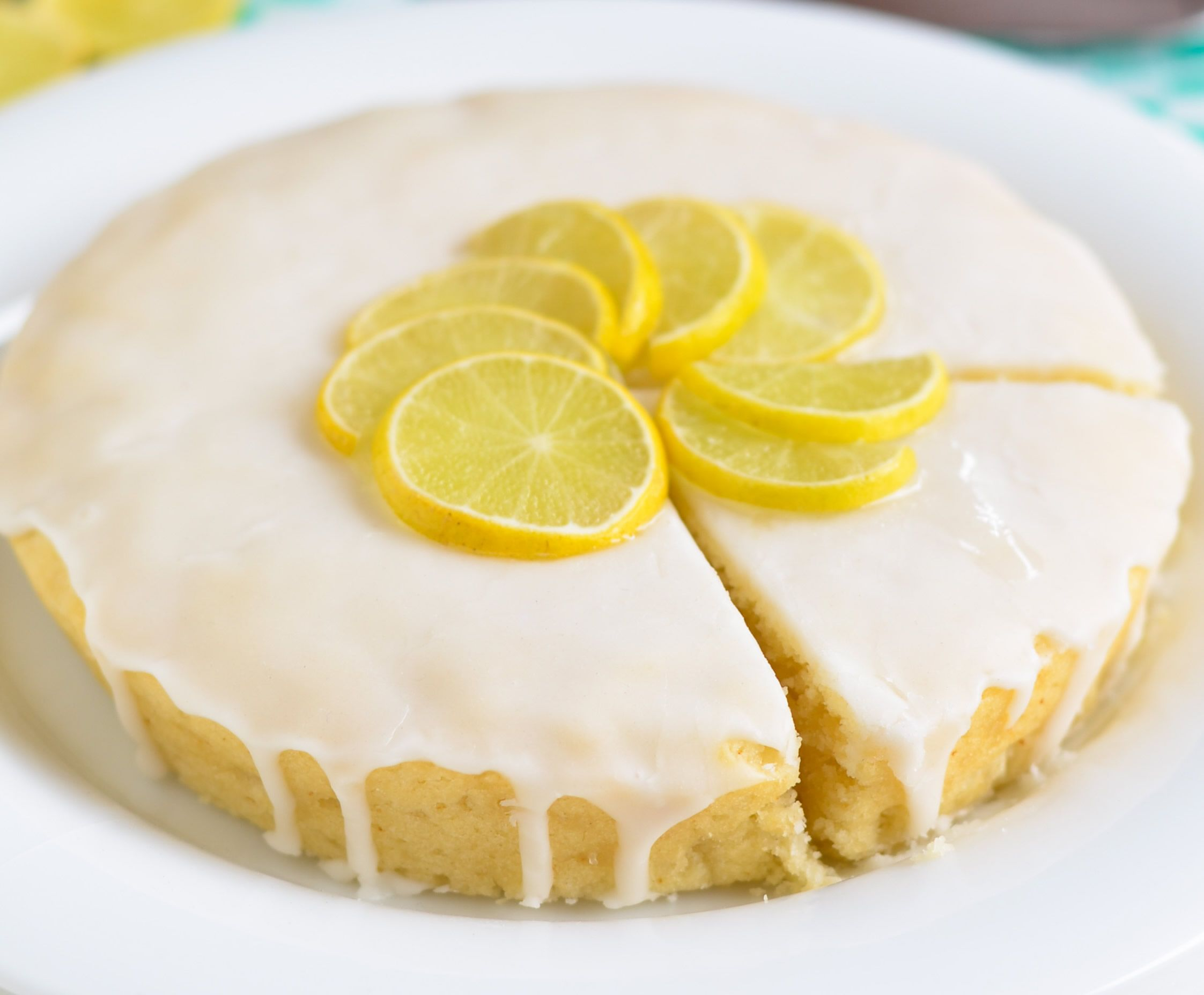 Beautiful and good...Frosted #cake with #lemon