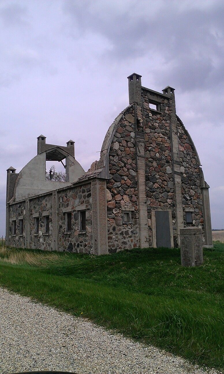 old stone barns Is on the list of MN. historical places. Would be great to see it restored.