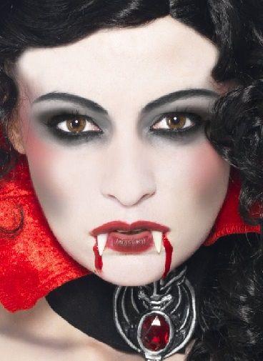 Maquillages de vampire les plus beaux et effrayants pour