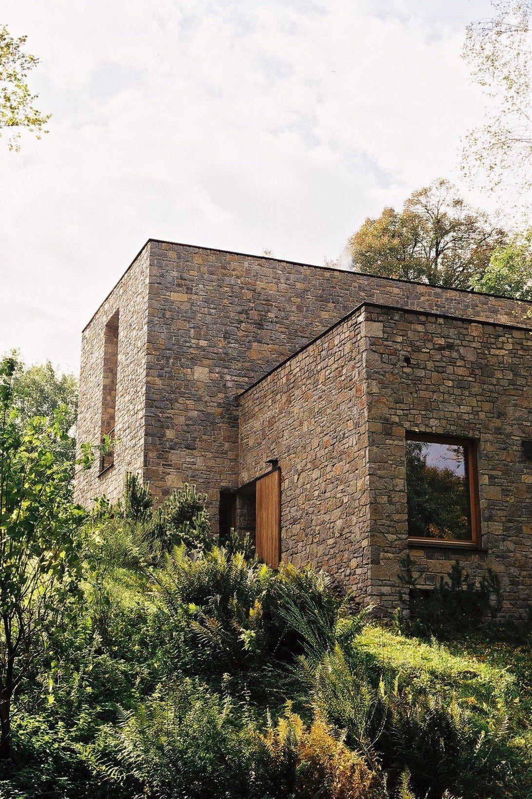 Above exterior window decor   wygnanowice a house over crystal clear springstravel