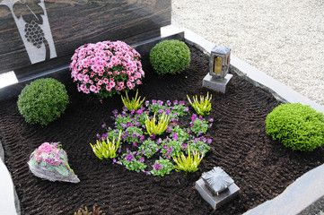 bildergebnis f r grabbepflanzung sommer beispiele grabbepflanzung pinterest. Black Bedroom Furniture Sets. Home Design Ideas