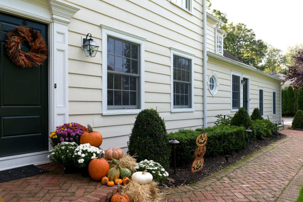 1x12 Thick Bevel Clear Cedar Siding Primed Painted Home In New York In 2020 Cedar Wood Siding Siding Prices Cedar Siding