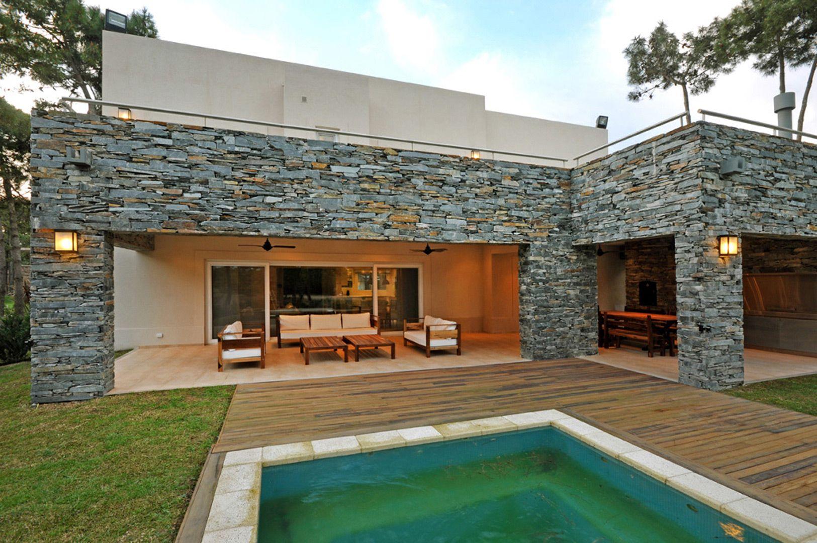 Fern ndez borda arquitectura casas con pileta casas for Casa moderna quincho