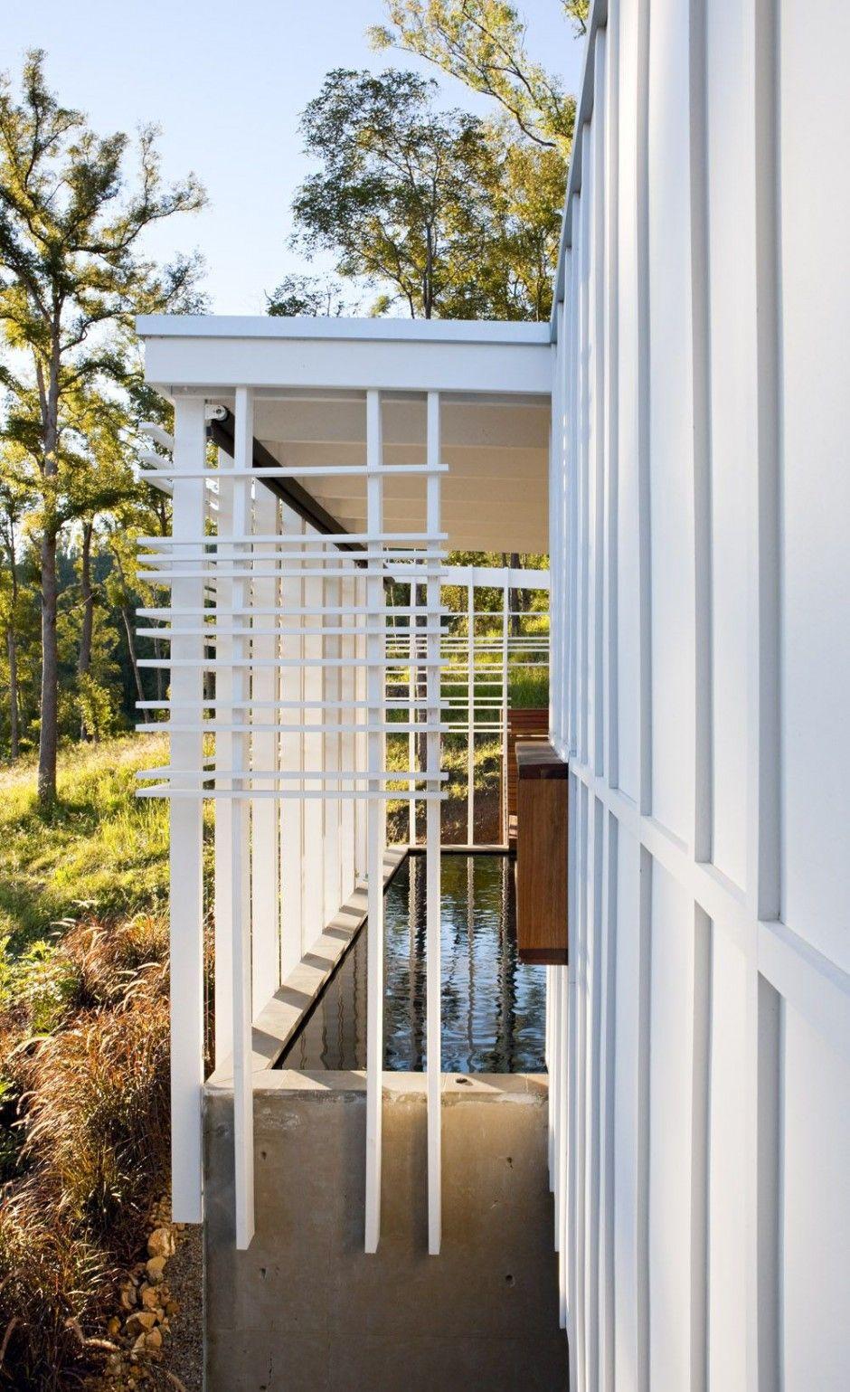 Stonehawke House by Base Architecture June 8th, 2014 Base Architecture designed the Stonehawke House in Brisbane, Australia.