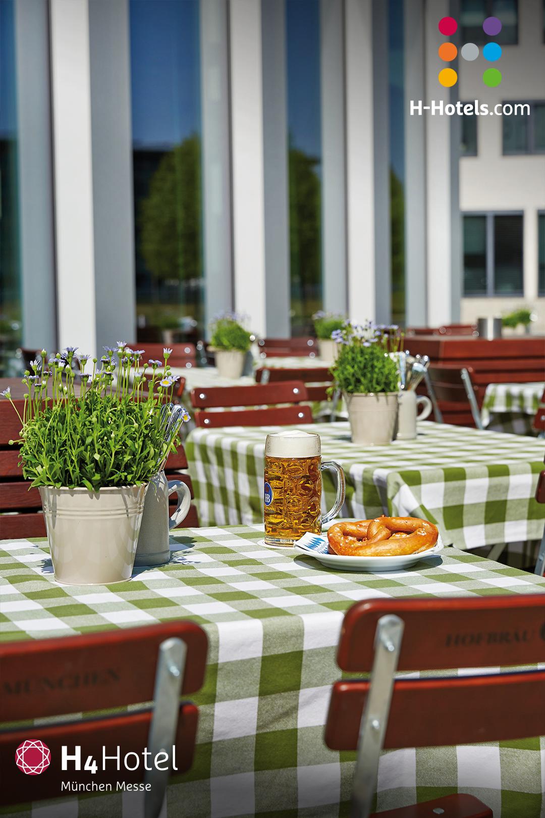 Geniesse Angenehmen Komfort Und Typisch Bayerische Lebensart In Unserem 4 Sterne Superior H4 Hotel Munchen Messe Da In 2020 Hotel Munchen Munchen Messe Hotel