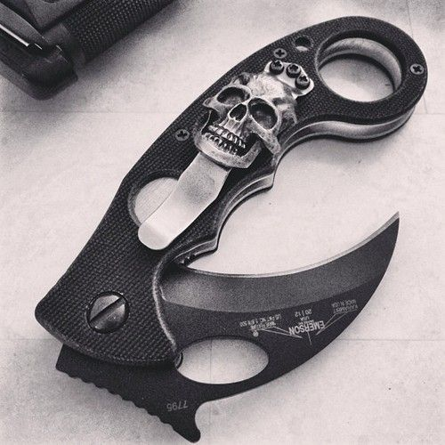 Karambit w/custom clip | Weaponry | Pinterest | Knives, Weapons and Guns