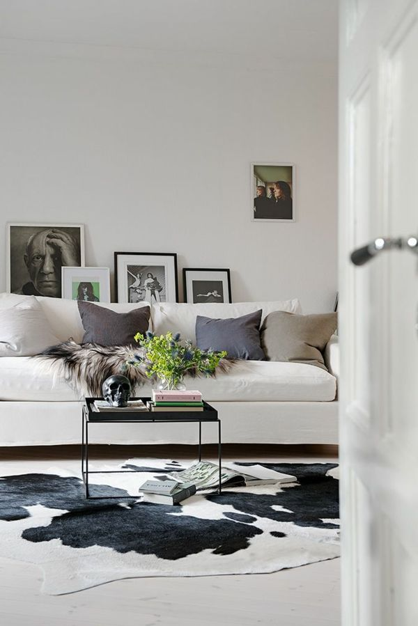 teppich kuhfell sofa dekokissen l i v i n g Pinterest - wohnzimmer skandinavisch gestalten