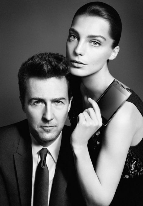 Edward Norton and Daria Werbowy. LG Prada 3.0