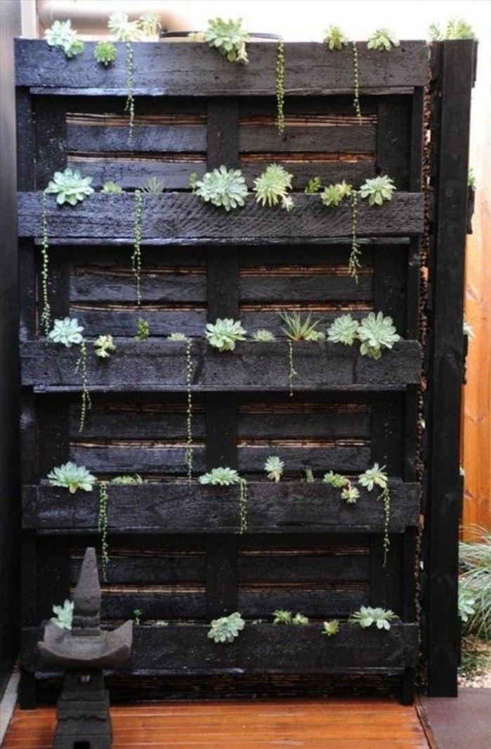 Le mur végétal en palette - idées originales pour un jardin vertical récup - Archzine.fr ...