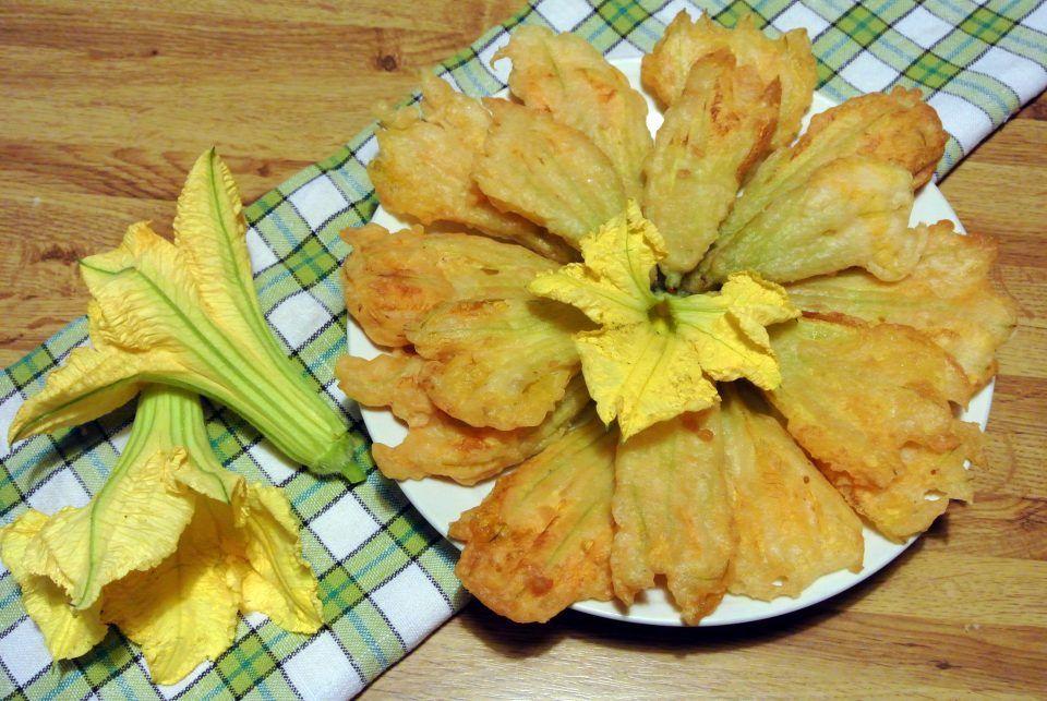 Fiori Di Zucca In Pastella La Cucina Di Fatamorgana Ricetta Fiori Di Zucca Zucca Fiori