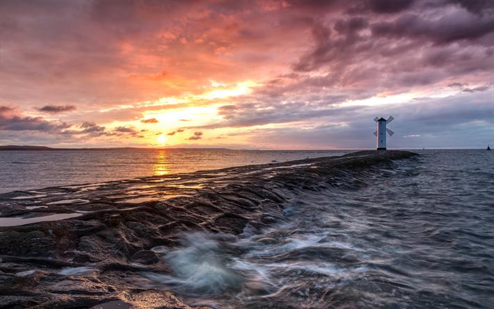Scarica sfondi tramonto mare sera onde faro polonia for Sfondi desktop tramonti mare