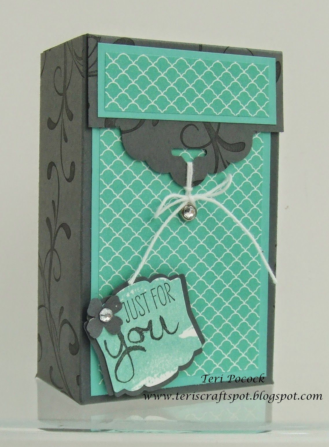 Scallop Tag Topper Gift Box - Video Tutorial!