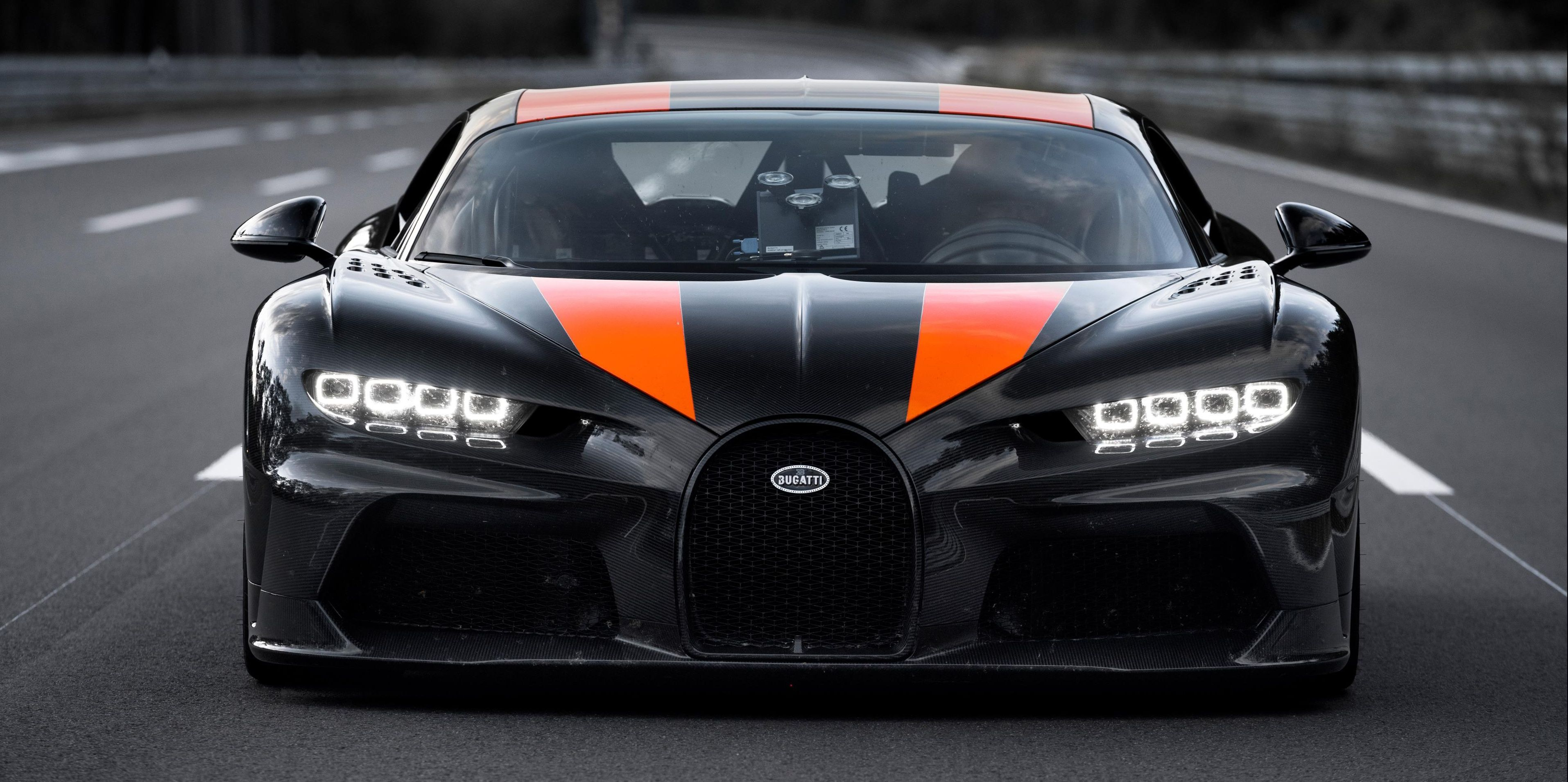 The Bugatti Chiron Super Sport 300 Briefly Went Airborne During Its Record Run Bugatti Chiron Bugatti Super Cars