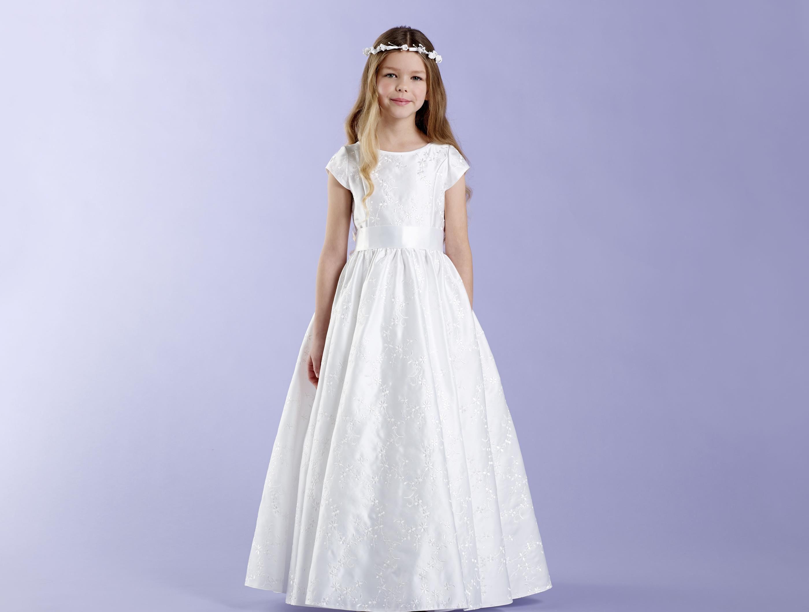 Blütenkleid - besticktes Kommunionkleidchen   communion dresses ...