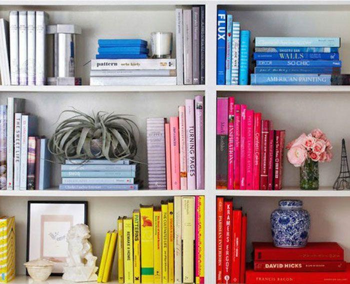 Ordenar libros por color: Una nueva moda para darle vida a nuestra ...