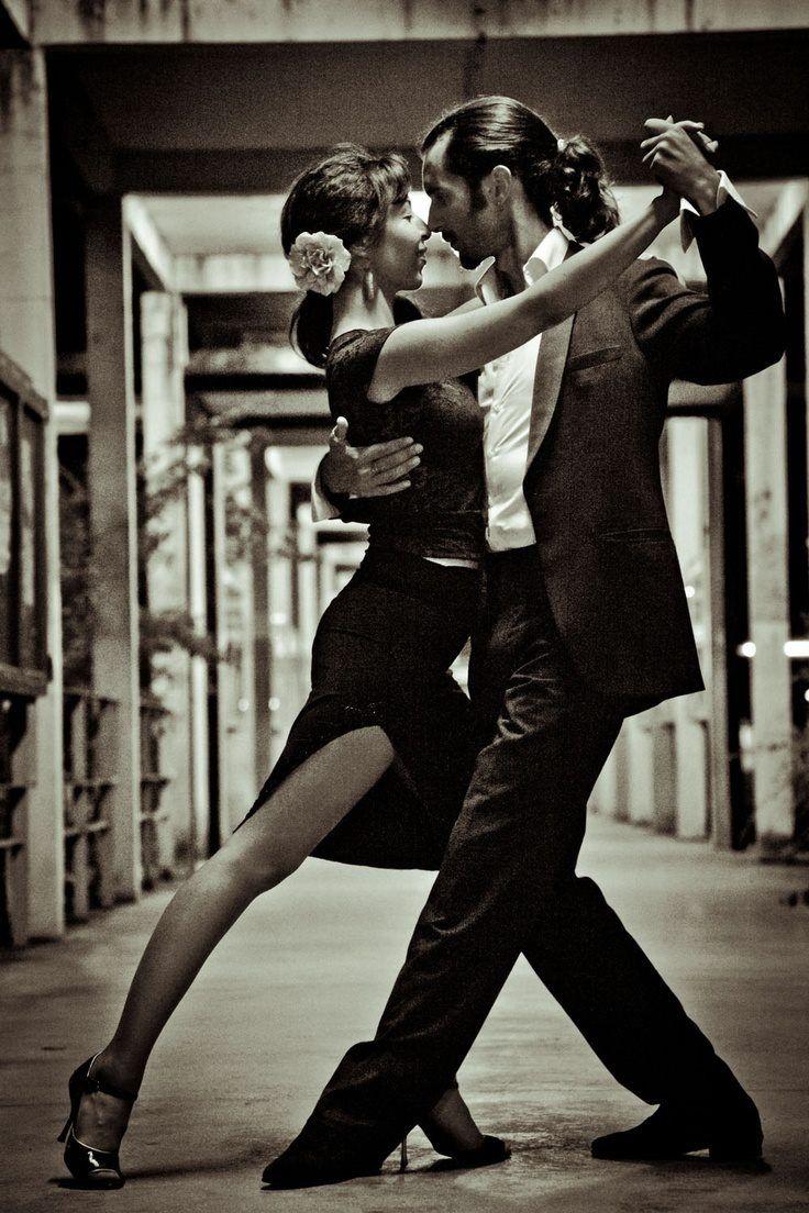 Einfach Tanzen Mit Passion Tango Tanzen Lass Dich Fuhren Dancepartner De Berlin Hamburg Munchen Koln Stuttgart Fra Tango Tanzen Salsa Tanzen Tango